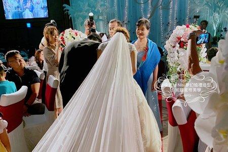 紅毯上的交手儀式解說