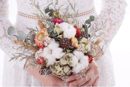 手綁乾燥捧花、胸花訂製
