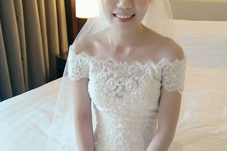 Bride:鳳蓉 好有氣質也好美,喜歡超自然的眼妝與薄透亮✨的底妝,ok呦