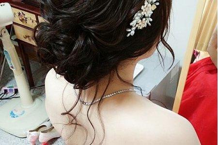 Bride:泡泡 (泡泡兒說劉海給她其它我自己設計 ^0^ )