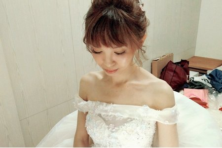 Bride: 曉伶