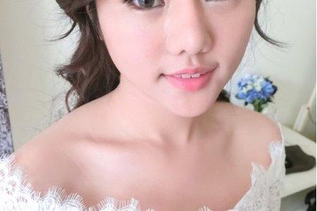 高雄新秘精緻妝感 - 艾萱