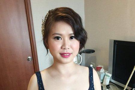 新娘芷希-高雅、浪漫花花、時尚紅唇