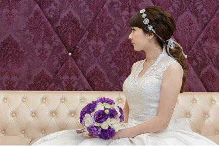 新娘最愛造型精選-低馬尾、大側分