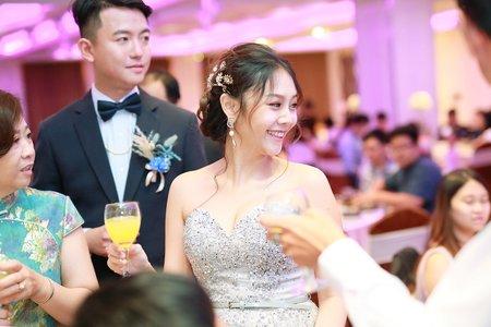 [ 台中婚攝 ] 僑園飯店婚攝推薦_迎娶午宴_