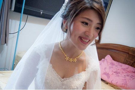Bride天天 白紗進場造型