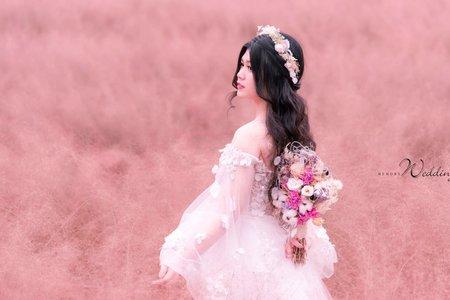 粉色草婚紗