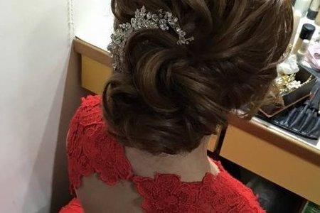 桃園新娘秘書/台北新秘/文訂造型/線條髮型/大風車餐廳