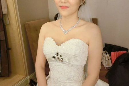 Bride摸摸