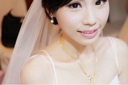 子純結婚造型