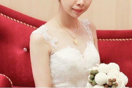 Bride Lucy