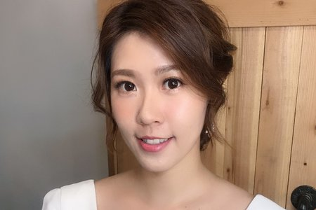 妍煦造型團隊 / Bella 白白 老師