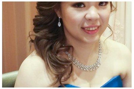 藍色禮服,敬酒造型,側捲,可可,台北臻愛婚宴會館
