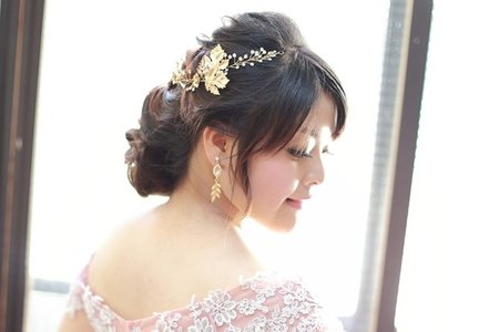 輕透立體的妝容,浪漫優雅的婚宴造型