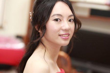 清新溫婉黑髮新娘造型