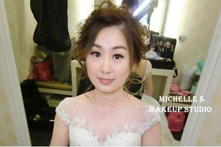 Michelle S 林口囍宴。花仙子拉絲盤髮。高雅低馬尾。甜美丸子