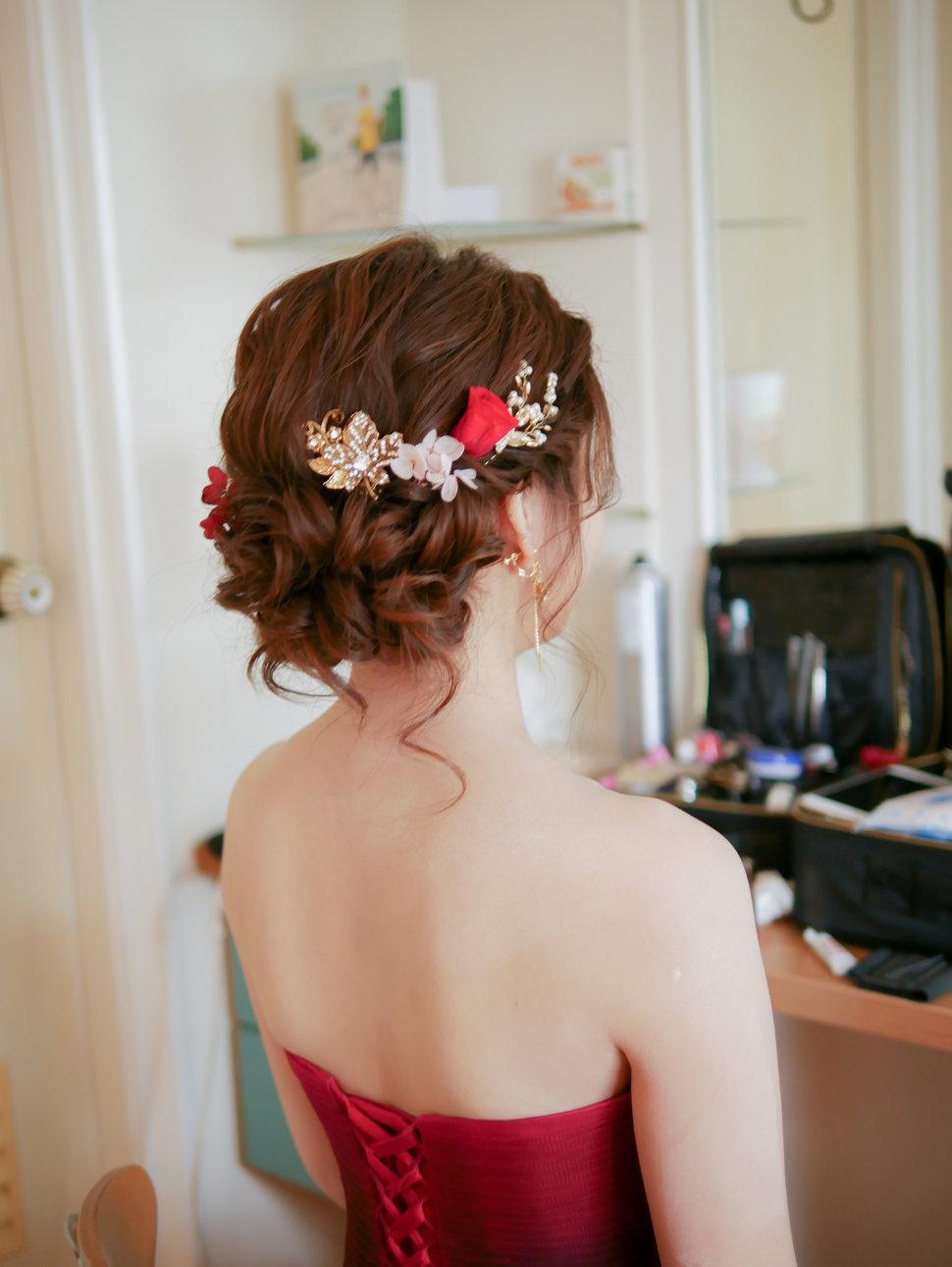 Giny - 愛瑞思新娘秘書造型團隊《結婚吧》