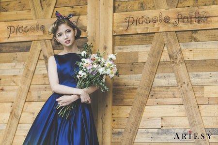 美背款深藍色緞面九分裙晚禮服