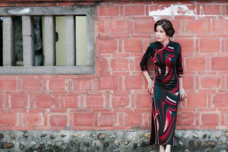 復古風開岔類旗袍