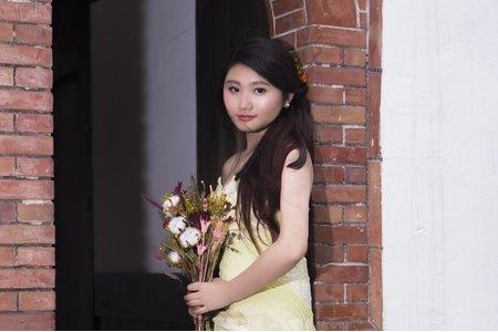 乾燥花系列 森林仙仙系新娘 乾燥玫瑰花容妝 綠色外拍禮服