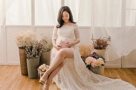 孕婦寫真-展現好身材的單眼皮辣媽