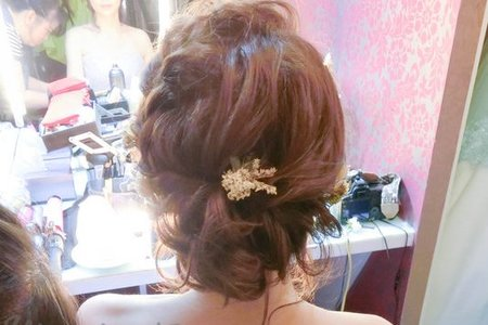 郁雯 歐式空氣感盤髮 蓬鬆浪漫編髮 乾燥花藝