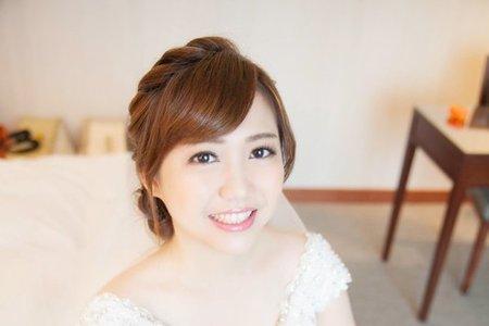 虹君 編髮造型 婉約氣質公主頭 素雅點綴