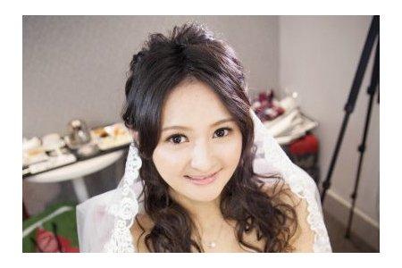 燕茹 自然妝感 蕾絲長頭紗 空氣感髮型 簡單素雅