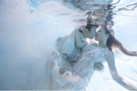 世勛 / 郁櫻 水中婚紗在最美一刻