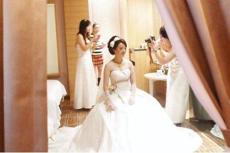 台南 鄭妙妙/新娘秘書彩妝造型師 婷卉新娘迎娶造型