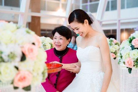 桃園婚禮紀錄 桃禧航空城水晶教堂 女攝影師小迪Dee