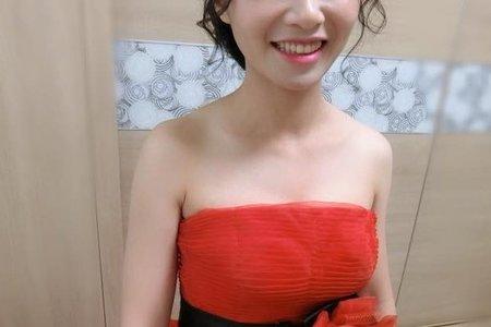 紅色禮服/文定/盤髮/線條/自然妝感/單妝