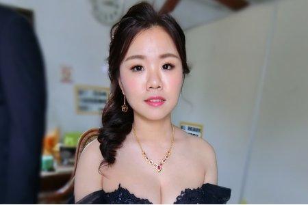 韓系自然透亮妝感/側編髮/甜美/知信