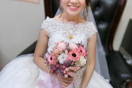 短髮新娘/白紗/迎娶/宴客造型/自然妝感/紅色蕾絲鏤空禮服