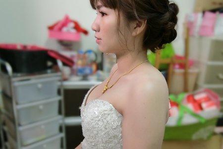 白紗/盤髮/七股新娘