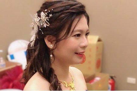 藍色禮服/送客造型/嘉義新娘秘書/自然妝