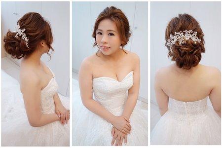 彰化結婚喜宴 ~ 只是穿上蕾絲披肩好像換了一套白紗~^^