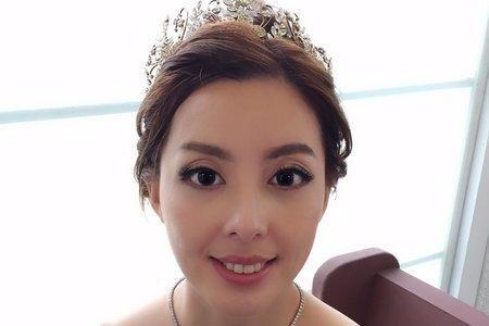 新娘小娟白紗造型