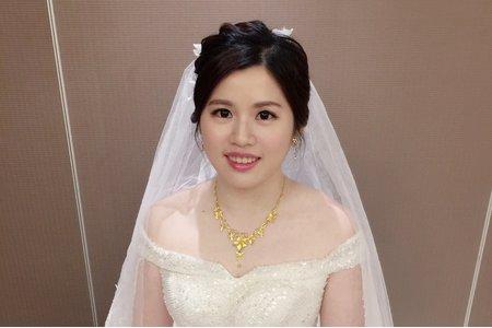 優雅白紗 蕾絲髮帶 新娘于瑄