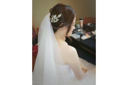 新質美女 新娘家伶
