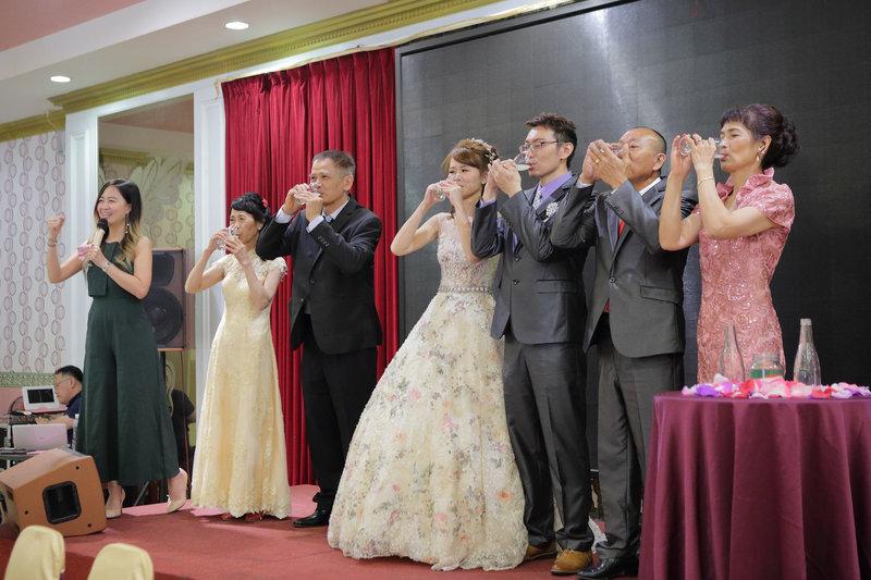 婚禮主持 8800起 婚禮樂團19000作品