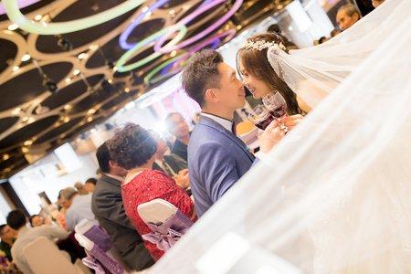 平日婚禮紀錄超優惠方案!