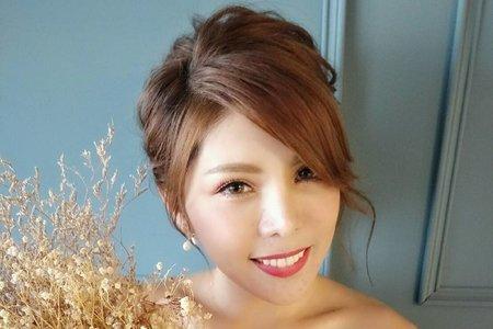 Nico妮可彩妝造型-氣質低盤髮