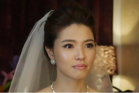 Titi結婚進場造型