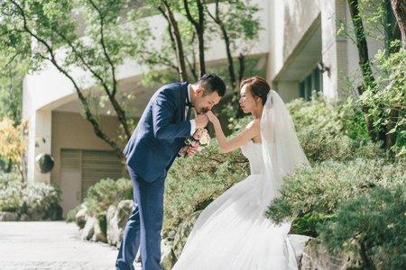 婚攝罐頭-新店豪鼎飯店中興時尚館豪傑廳婚禮記錄│博仁+胤婷