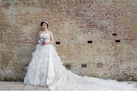 張靜-婚紗外拍造型(翁詩涵造型彩妝工作室)