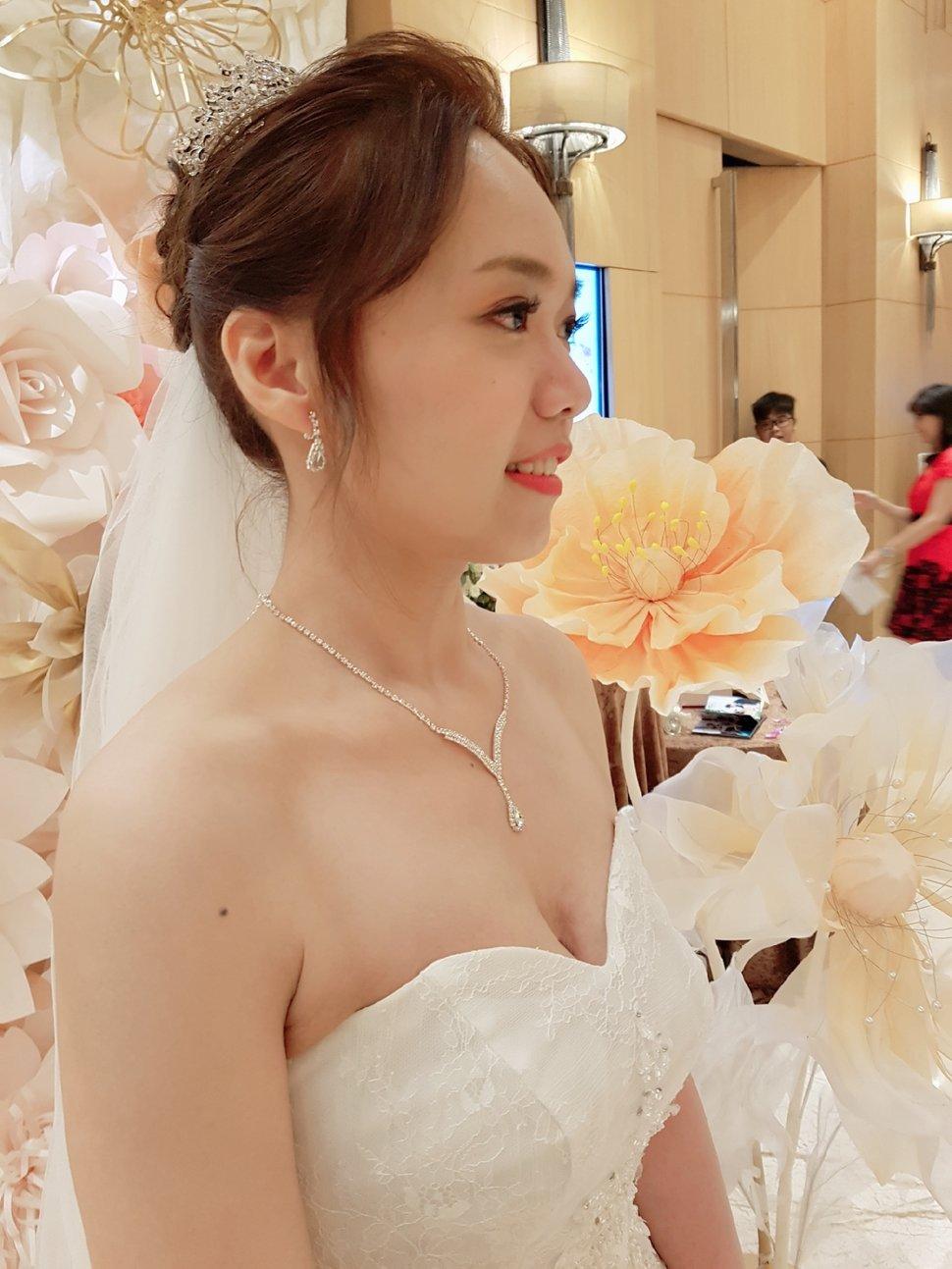 白紗典雅造型新莊典華 - Serin Style曦式玩美造型《結婚吧》