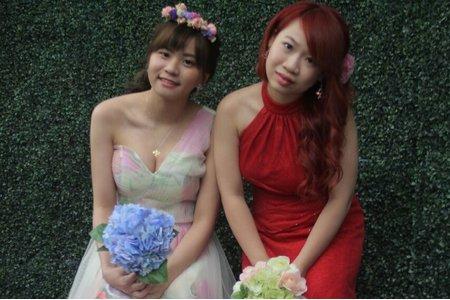小茜跟米寶的閨蜜婚紗側拍