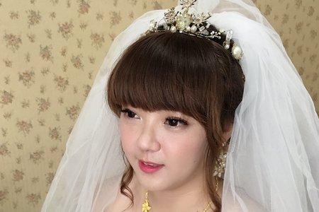 佳縈結婚進場造型