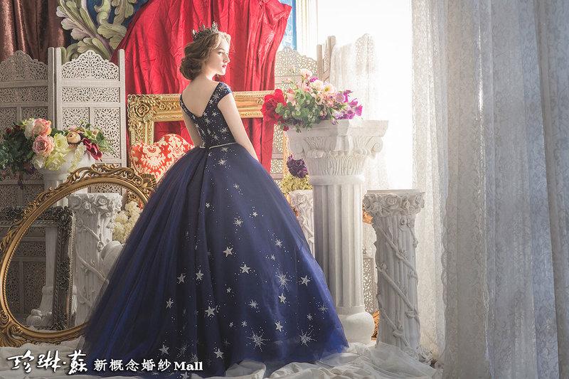 主題色,經典藍,PANTONE,禮服